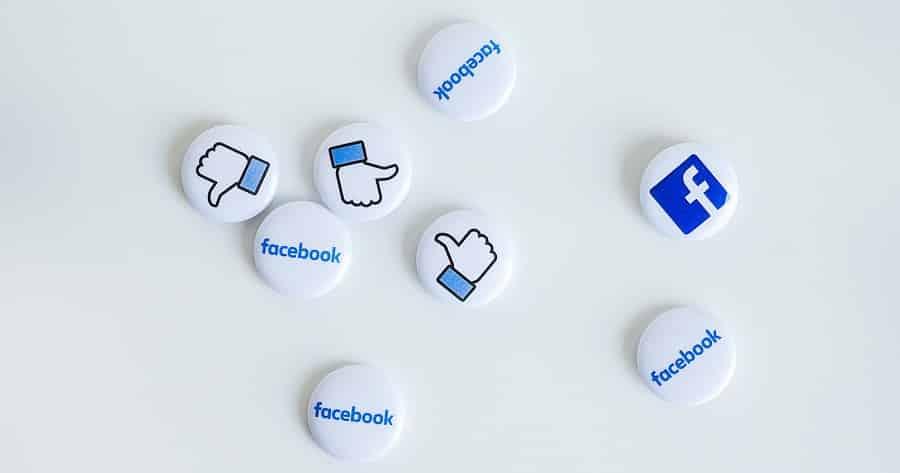 Yrittäjän velvollisuudet. Facebookin kuvakkeita