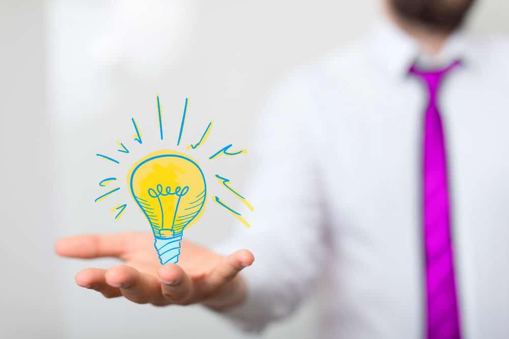 Yritysidea on yrittäjäksi aikovalle tärkeä - kuvituskuva