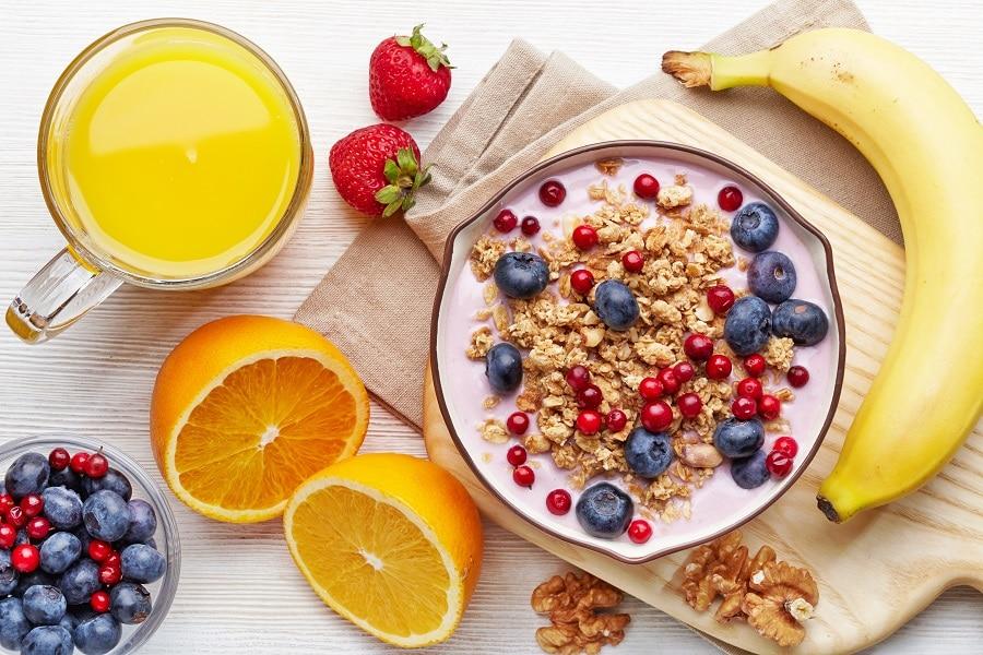 Aamiainen aamulla heräämiseen