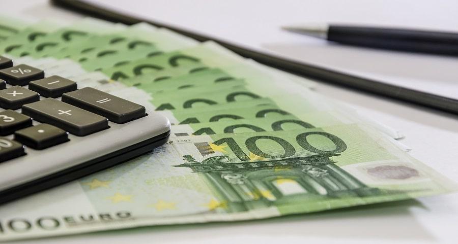 YEL-maksun muutokset tehdään tulojen mukaisesti